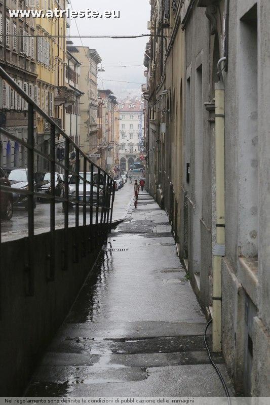 Via madonnina e via pondares pagina 2 for Mobilia trieste piazza sansovino