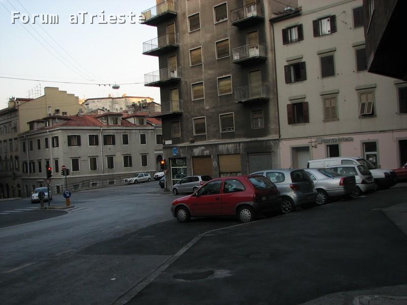 Piazza vico for Mobilia trieste piazza sansovino