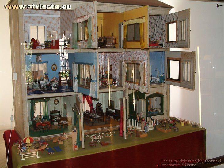 Duin el castel i interni for Piano casa delle bambole vittoriana
